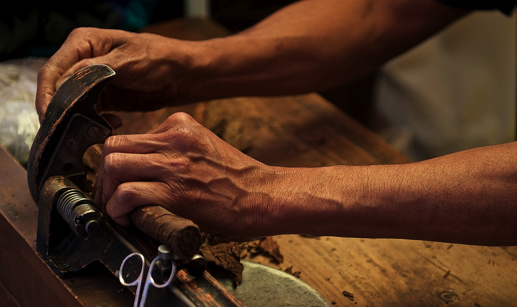 Cigar Making on The Streets